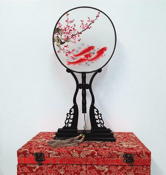 Chinese Su embroidery Silk Design Fan (With Decorative Case/Stand)  *KOI FISH2*