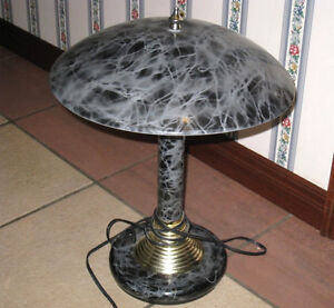 Nice metal Table Lamp in great condition