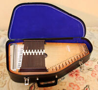 PERFECT  AUTOHARP w/ case Instructions & More! SEE VIDEO