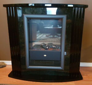 Dimplex electric indoor fireplace