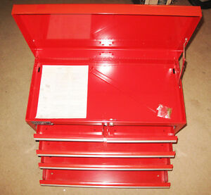 Heavy gauge metal tool box