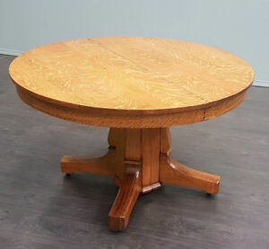Fabulous Antique Oak Dining Table (4 Leaves)