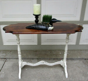 1 OF A KIND ANTIQUE SHABBY CHIC 2 TONE HALL/SOFA TABLE