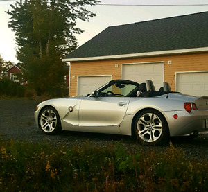 BMW Z4 3.0i in excellent shape for sale