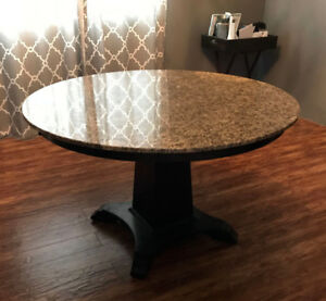 QUALITY GRANITE TABLE AT FRACTION OF PRICE MAKE A FAIR OFFER