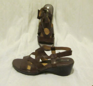 Naturalizer Leather Sandals.