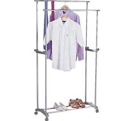 Double clothes rail