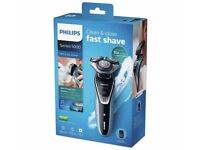 Philips Series 5000 Electric Shaver with Trimmer S5530