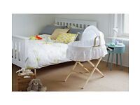Cuggl Moses basket and stand