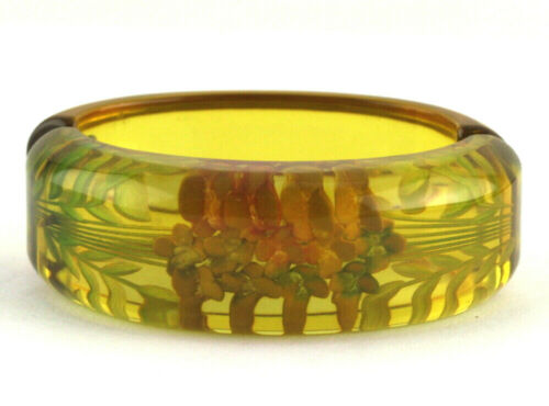 Vintage Reversed Carved Apple Juice Prystal Bakelite Clamper Bangle Bracelet