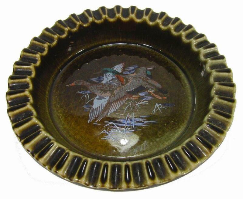 "Wade Irish Pottery Dish Ashtray Flying Ducks Mid Century MCM 15 cm / 6"" Diameter"