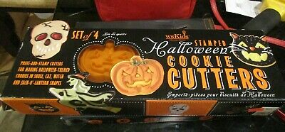 Williams Sonoma WS Kids Halloween stamped set 4 cookie cutters New in box