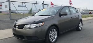 2011  KIA FORTE EX  5-DOORS * A/C CRUISE BLUETOOTH