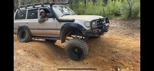 80 series Landcruiser with all the mods