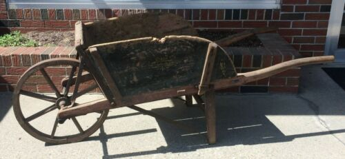 19th Century Antique Syracuse Wheelbarrow Garden Pumpkin Flower Wagon Full Size
