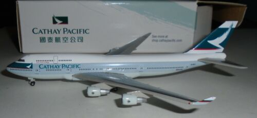 Herpa 1:500 -   Cathay Pacific Airlines  747-400     -  corporate?