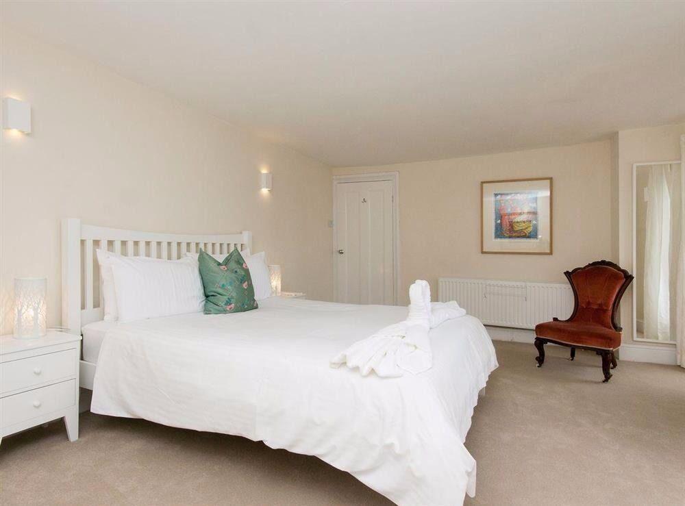 Modern 1 bed 1 bath apartment, Southfields, sw18