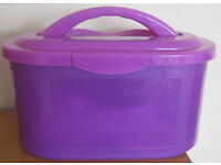 Box with carry handle, suitable for crafts, sewing, beauty etc...