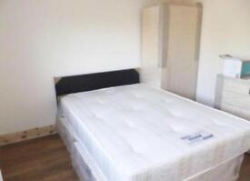 AVAILABLE LARGE CLEAN KING SIZE DOUBLE ROOM & VERY LARGE SINGLE ROOM TO RENT ILFORD, EAST LONDON