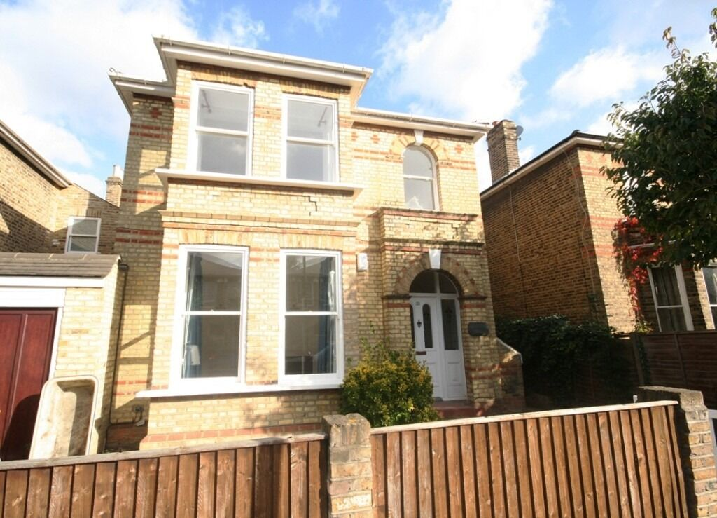 Stunning 2 Bed House, with Amazing Views- Honor Oak, SE15