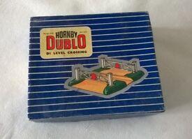 hornby ' hornby dublo DI level ( 00 gauge ) crossing