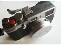 Fujifilm x100s in mint condition with extra