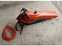 FLYMO garden leaf blower/vacuum. £15.