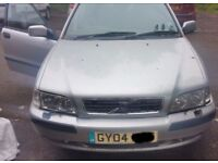 Volvo S40 1.8 O/S Headlight Breaking For Parts (2004)
