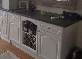 WHITE KITCHEN UNITS & WORKTOP