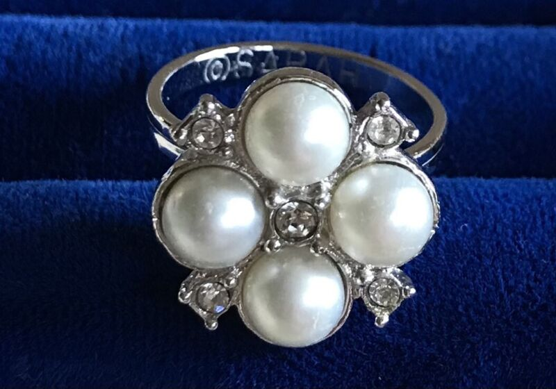 SARAH COVENTRY Faux Pearl Silver Tone Ring 6.5 adjustable Rhinestone Cluster EUC