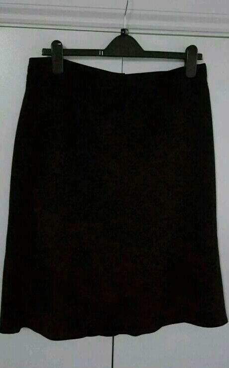 Next Ladies Skirtin Swindon, WiltshireGumtree - Next Ladies SkirtBlackSize 14With zip front