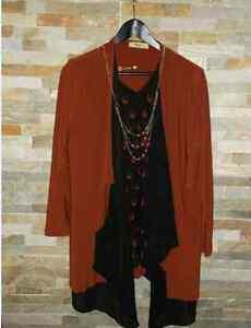 NEW vêtement femme neuve grandeur XLARGE HAUT brun noir