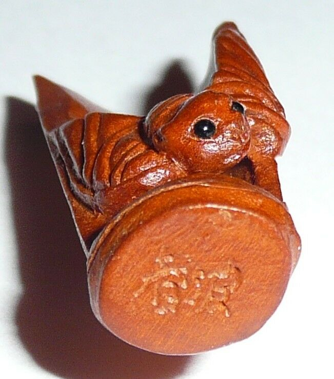 "Cute Little Bat Hand Carved Boxwood Shank Bat Button 1-3/8""x1/2"""