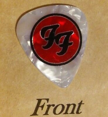 FOO FIGHTERS band logo novelty guitar pick  -(w)
