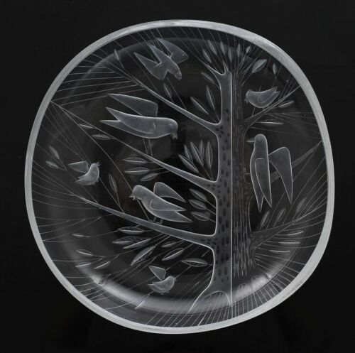 Rare engraved bird dish by Helena Tynell for Riihimaen Lasi Oy Finland 60s