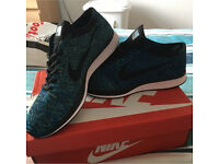 Nike flyknits racers