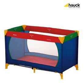 Huak dream n play multicoloured travel cot with matress