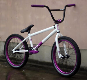 2013 MirraCo EDit Bike great condition,SUPER CLEANmust sell- OBO