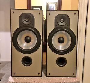 Mint Condition Paradigm Monitor SpeakersMonitor 3
