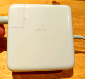 Apple Macbook Pro Laptop Charger (FULLY WORKING)