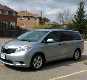 2011 Toyota Sienna LE Van In Excellent Condition