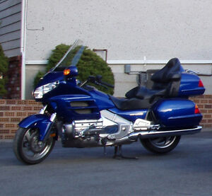 2001 GL1800 Gold Wing and Uni-Go Trailer