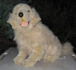 LARGE GOLDEN RETRIEVER SITTING PLUSH DOG