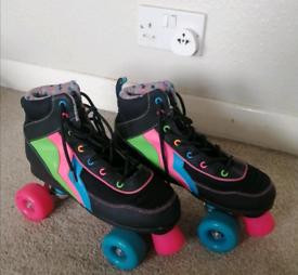 Roller skates - Size 6