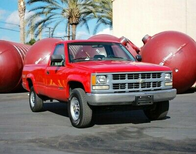 1994 Chevrolet C/K Pickup 2500  18k Mile 1994 Chevy 2500 4x4! Clean Car Fax!