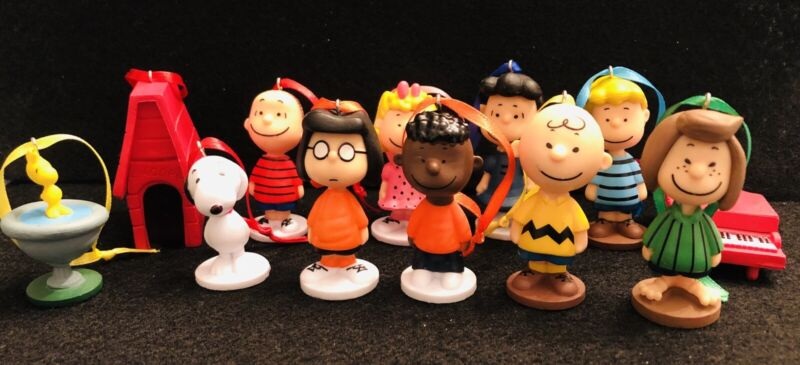 The Peanuts Gang 12 Pc Christmas Ornament Set Marcie Franklin Charlie Snoopy