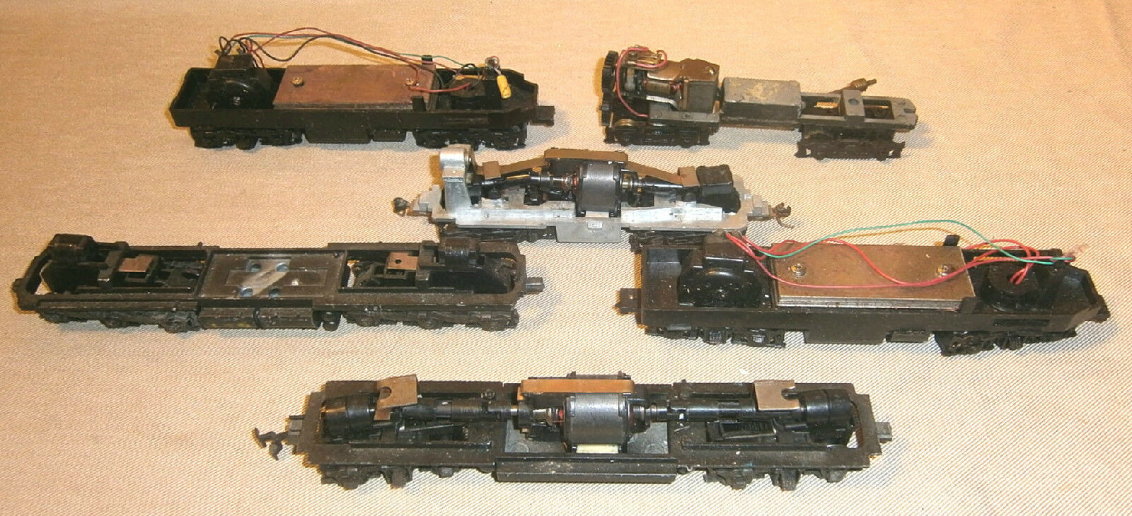 Lot Of 6 Vintage HO Scale Train Chassis Frames With Motors #1