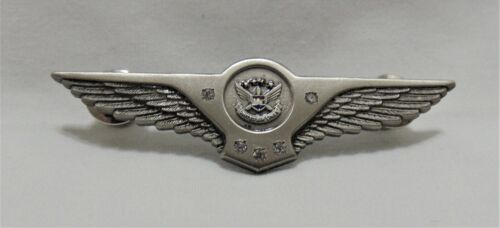 Vintage United Airlines Flight Attendant Service Wing Pin 25 Years Pewter New
