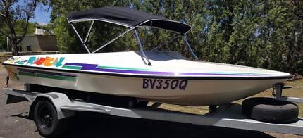 Lewis Phantom Fibreglass Ski Boat