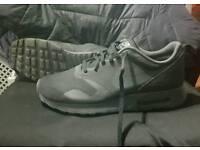 Nike Air Max Travas